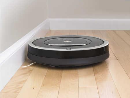 Recensione Roomba 870 - il robot aspirapolvere in funzione